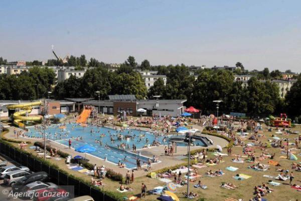 Startuje letnia pływalnia przy ul. Dekabrystów