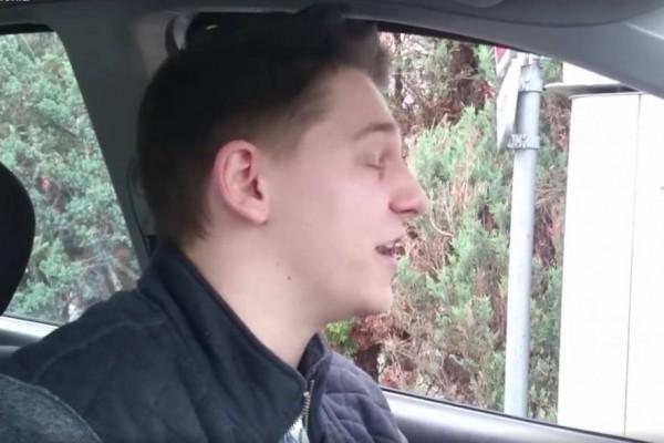 """""""A`la Zenon - Przez te frytki chrupiące"""" - wywiad z Dawidem Furchem"""