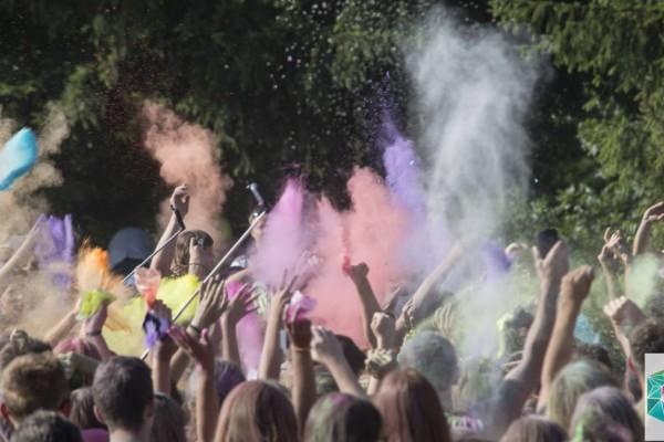 Akredytacje medialne podczas Festiwalu Kolorów w Częstochowie