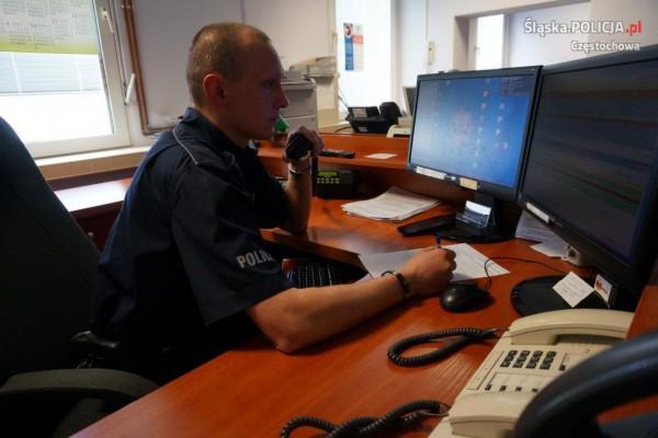 Częstochowski policjant przez telefon uratował życie niemowlaka