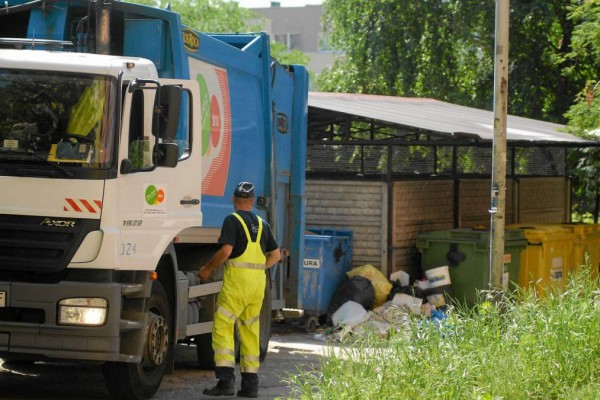 Uwaga! Remondis podał harmonogram odbioru śmieci w sierpniu
