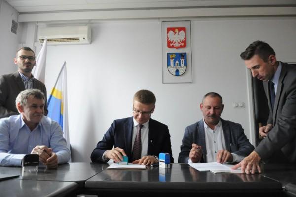 Podpisano porozumienie - będą wyższe wynagrodzenia w MOPS, DPS I CCŚ!