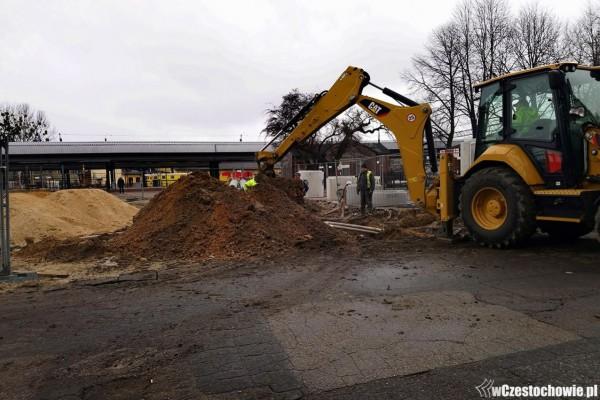 Odkryte mury piwnic dworca wiedeńskiego nie sparaliżują budowy węzła przesiadkowego