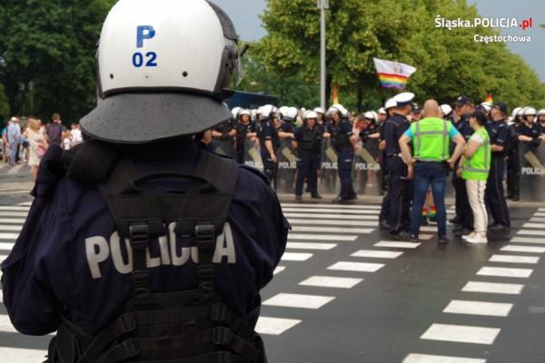 Częstochowska policja chroniła II Marsz Równości (zdjęcia)