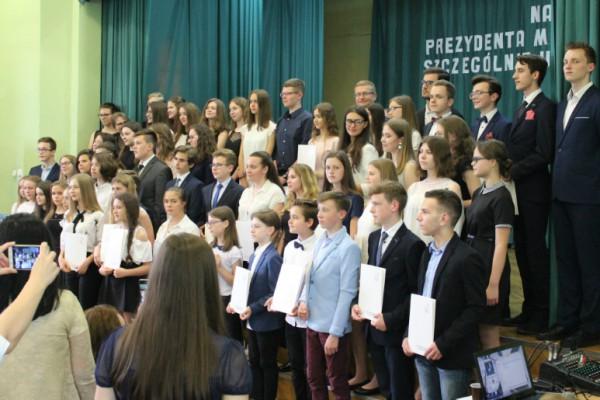 Uczniowie szczególnie uzdolnieni z nagrodami prezydenta Częstochowy (zdjęcia)