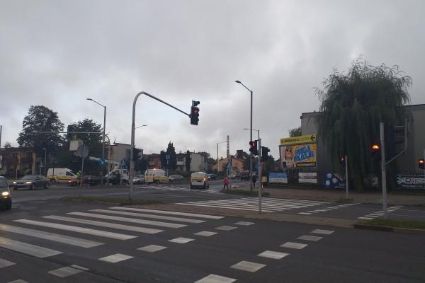 Kilka kolejnych skrzyżowań w Częstochowie z licznikami czasu zmiany świateł