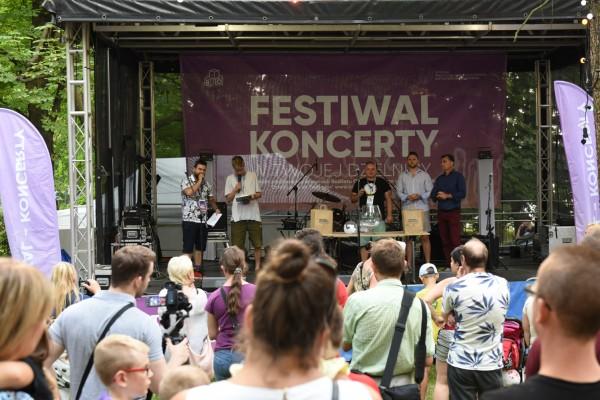 Festiwalowe atrakcje i spis powszechny na promenadzie Niemena