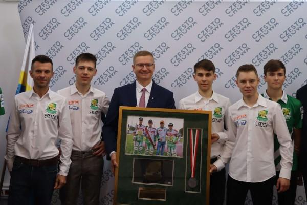 Prezydent Częstochowy docenił sukcesy juniorów Włókniarza (zdjęcia)