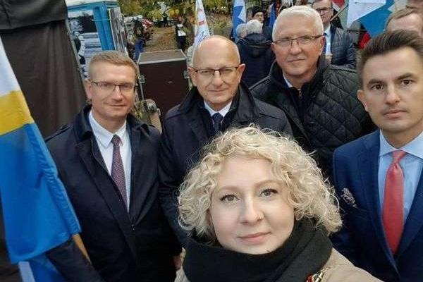 Częstochowscy samorządowcy protestowali w Warszawie przeciwko Polskiemu Ładowi (zdjęcia)