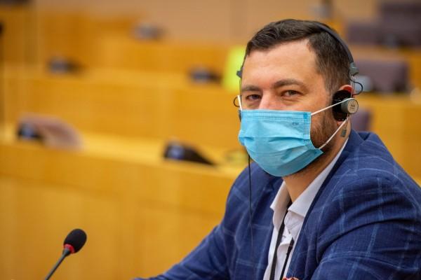Marek Balt: Unia Europejska odniosła sukces w walce z pandemią. Szczepionek nie brakuje, są one powszechnie dostępne